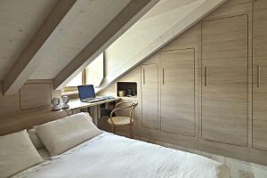 Comment transformer son grenier en chambre ou en bureau à Huy ?